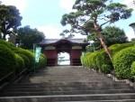 護国寺は、きれいなところでした(地下鉄有楽町線の護国寺駅下車)。