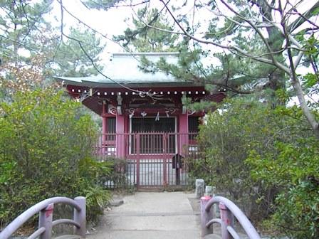厳島神社、三宝寺池