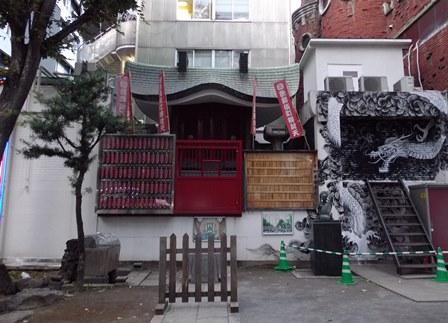 歌舞伎町弁天様