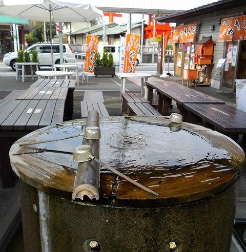 お宮横丁の富士山湧き水