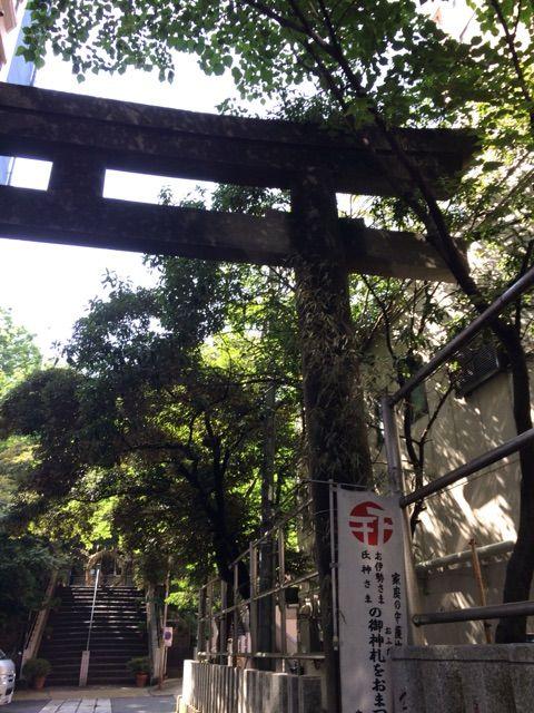 御田八幡参道