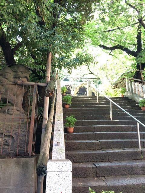 御田八幡神社参道坂