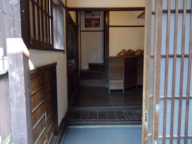 上野桜木あたり玄関