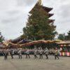 10月18日は菊供養で浅草寺で菊を交換して菊のお守りも頂いて金龍の舞も見た